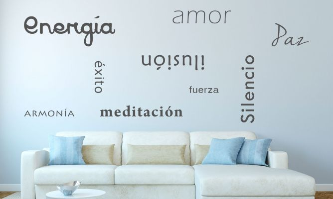 paredes-decoradas-con-frases-salon-azul-