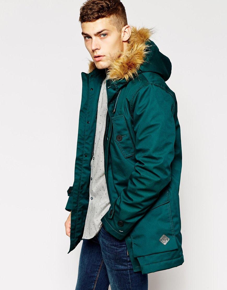 Abrigo con capucha de pelo